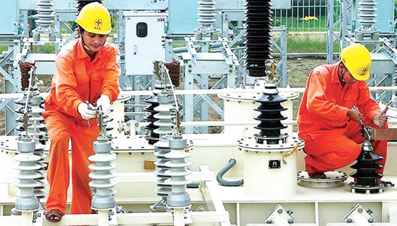 Đảm bảo cung ứng điện cho phát triển kinh tế xã hội và sinh hoạt của người dân.