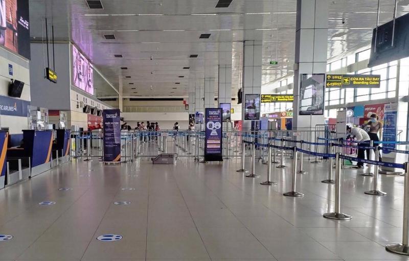 Hạn chế tối đa số lượng chuyến bay đi, đến sân bay Nội Bài để phòng chống dịch.