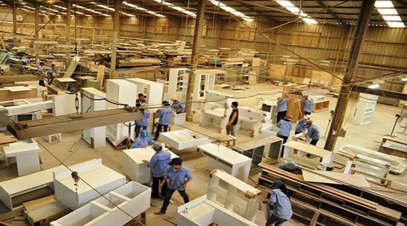Đơn hàng tăng, nhưng doanh nghiệp đồ gỗ khó đáp ứng.