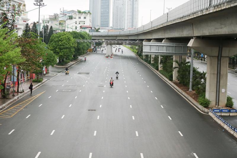 Hà Nội tiếp tục thực hiện cách ly toàn xã hội đến 06h 00 ngày 06/9 trên phạm vi toàn Thành phố để phòng, chống dịch Covid-19.