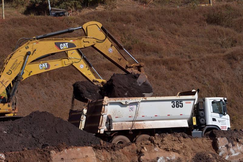 Một mỏ quặng sắt ở Brazil - Ảnh: Reuters/WSJ.