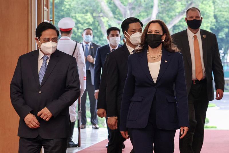 Thủ tướng Phạm Minh Chính tiếp Phó Tổng thống Mỹ Kamala Harris - Ảnh: Reuters