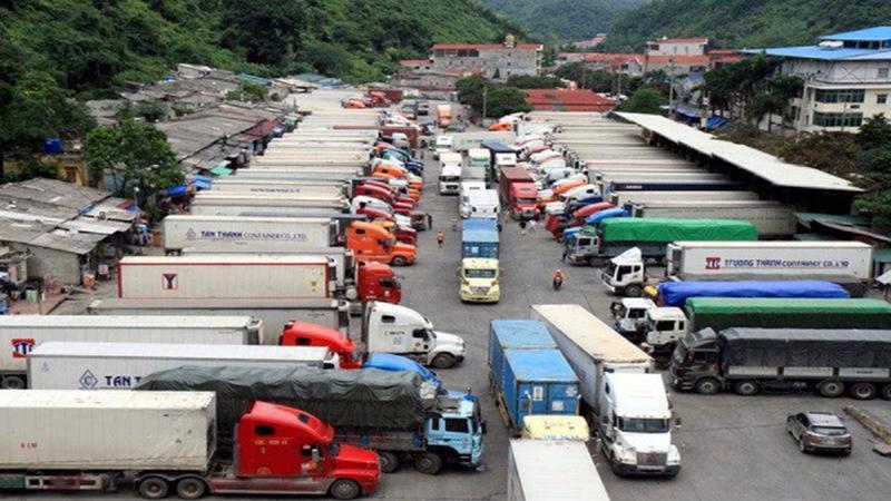 Doanh nghiệp gặp rất nhiều gian nan trong việc vận chuyển hàng hóa.