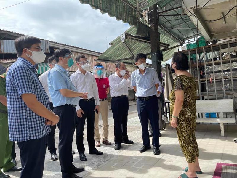 Bộ Trưởng Bộ Y tế Nguyễn Thanh Long thị sát công tác phòng, chống dịch Covid-19.