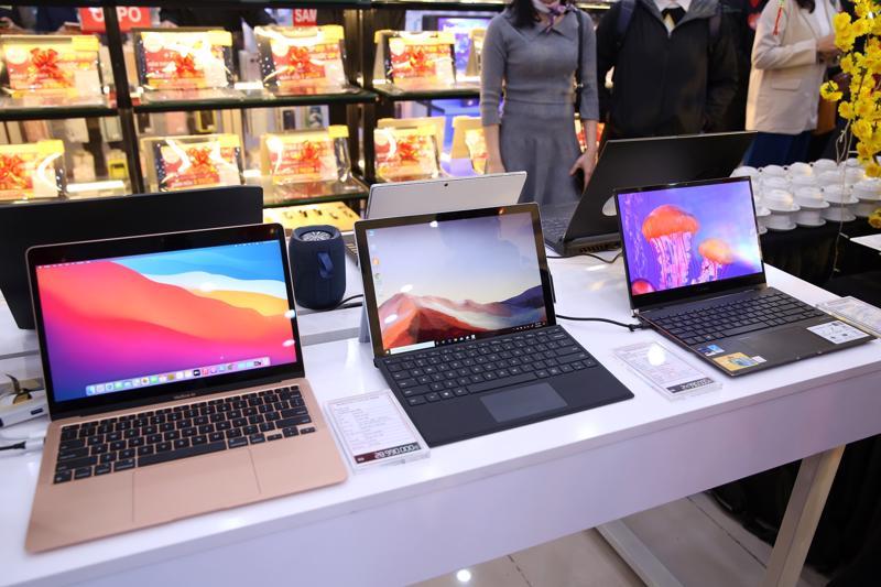 Nhu cầu làm việc tại nhà và chuẩn bị năm học mới làm nhu cầu dùng laptop tăng cao.