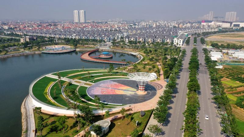 Một góc dự án An Vượng Villa tiếp giáp với công viên Thiên văn học và đường Ngô Thì Nhậm.