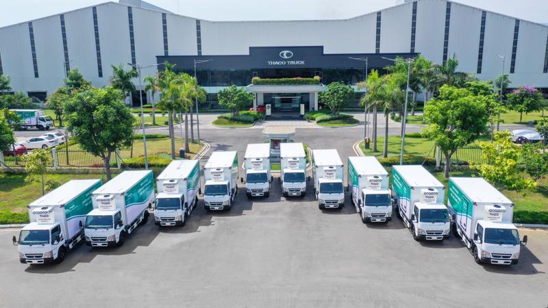 Đến nay, THACO đã trao tặng 63 xe chuyên dụng vận chuyển vaccine.