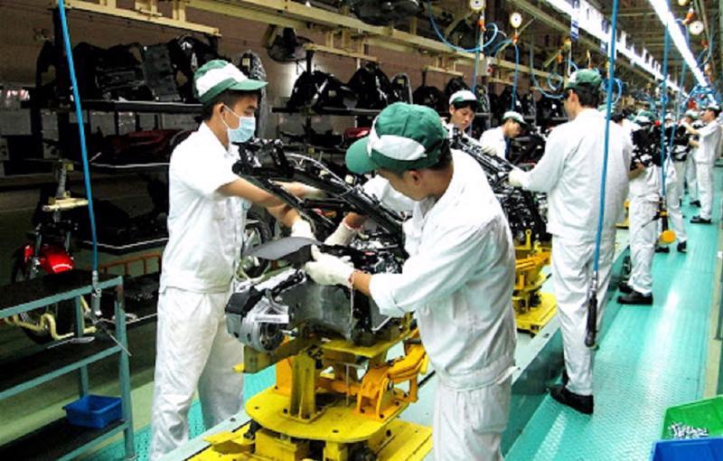 Sản xuất công nghiệp tiếp tục chịu ảnh hưởng nặng nề do Covid-19.
