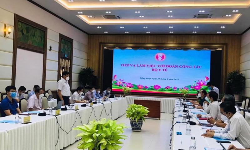 Thứ trưởng Bộ Y tế Đỗ Xuân Tuyên làm việc với UBND tỉnh Đồng Tháp về công tác phòng chống dịch Covid-19.