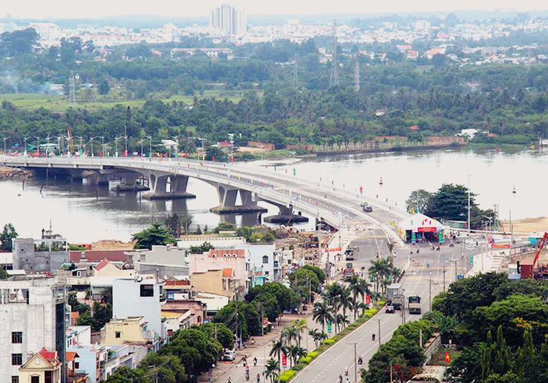 Cầu An Hảo bắc qua sông Đồng Nai tại TP. Biên Hoà, tỉnh Đồng Nai.