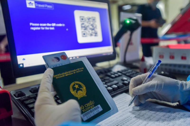 Hộ chiếu sức khoẻ điện tử sẽ mở ra cơ hội phục hồi các chuyến bay quốc tế. Ảnh: VNA