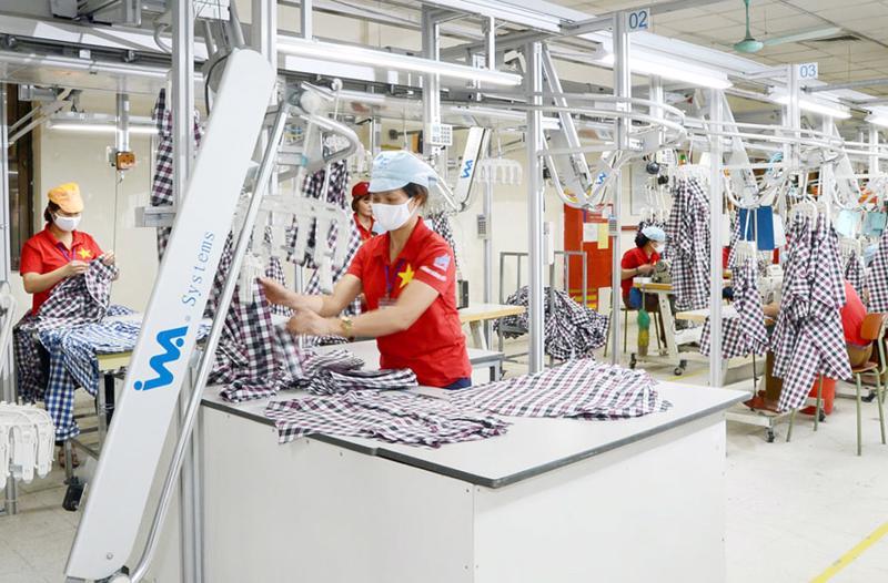 Khó khăn đè nặng ngành dệt may cuối năm do dứt thiếu hụt lao động, chi phí tăng cao...
