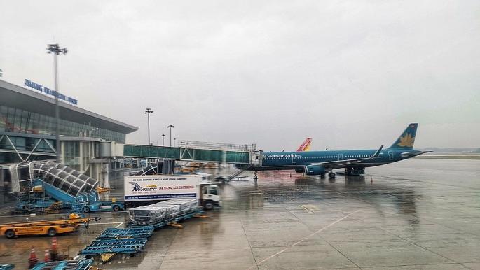 Cần có phương án phòng chống thiên tai, neo đậu tàu bay trong mùa mưa bão.