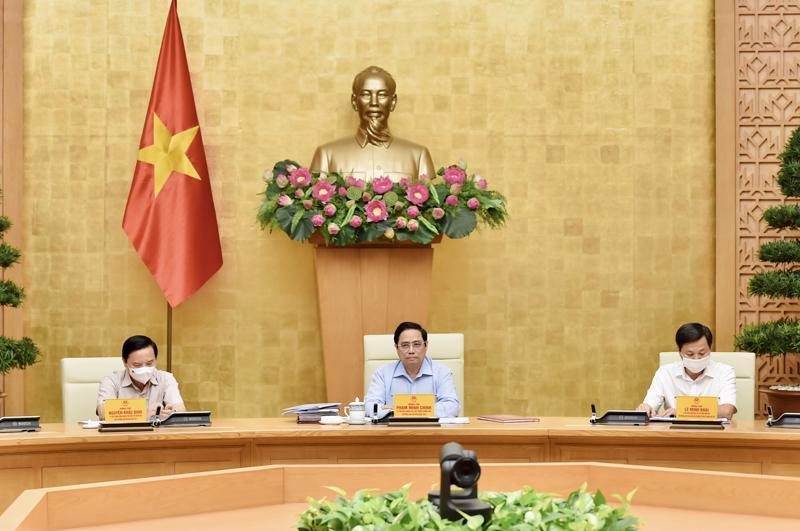 Thủ tướng Phạm Minh Chính chủ trì cuộc họp chiều 5/9 - Ảnh: VGP/Nhật Bắc
