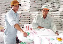 Hạn ngạch thuế quan nhập khẩu đường tinh luyện là 32.000 tấn.