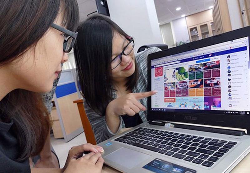 Tìm kiếm các mặt hàng thiết yếu trên tạp hóa trực tuyến tăng mạnh