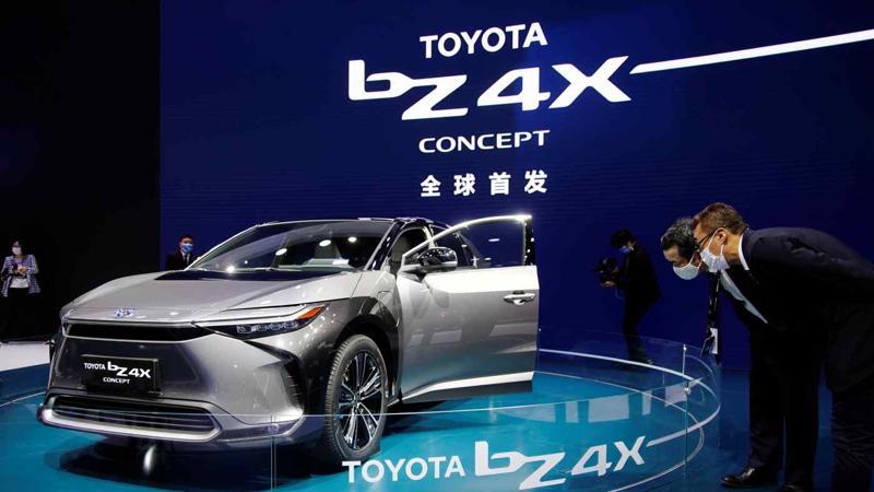 Mẫu xe điện bản ý tưởng Toyota BZ4X - Ảnh: Reuters