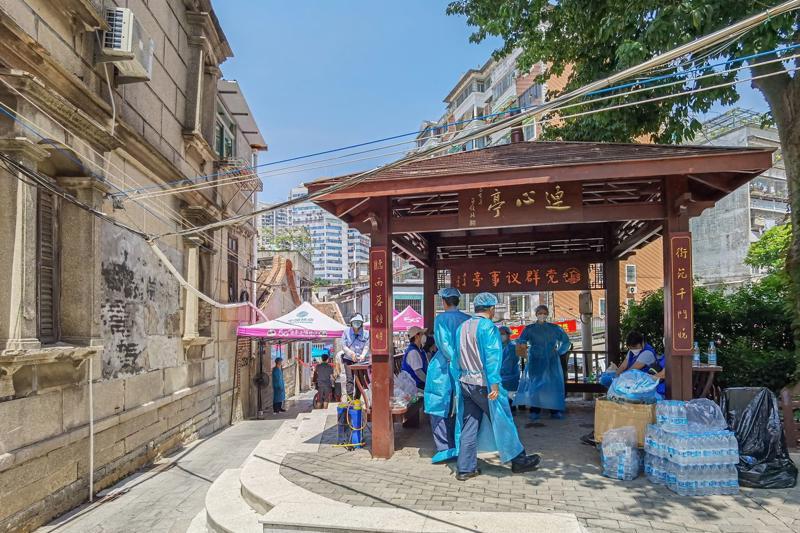 Một khu phố ở Hạ Môn được đặt trong tình trạng phong toả ngày 13/9 - Ảnh: Getty/Bloomberg.