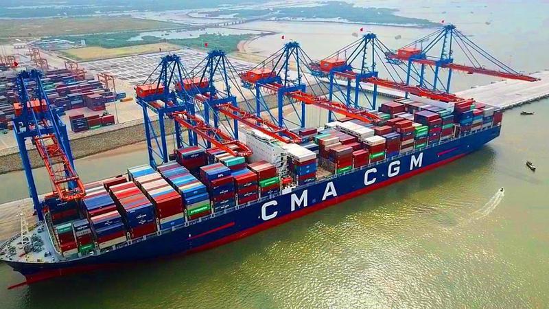 Tàu CMA – CGM cập bến tại Cảng Gemalink, Bà Rịa - Vũng Tàu.