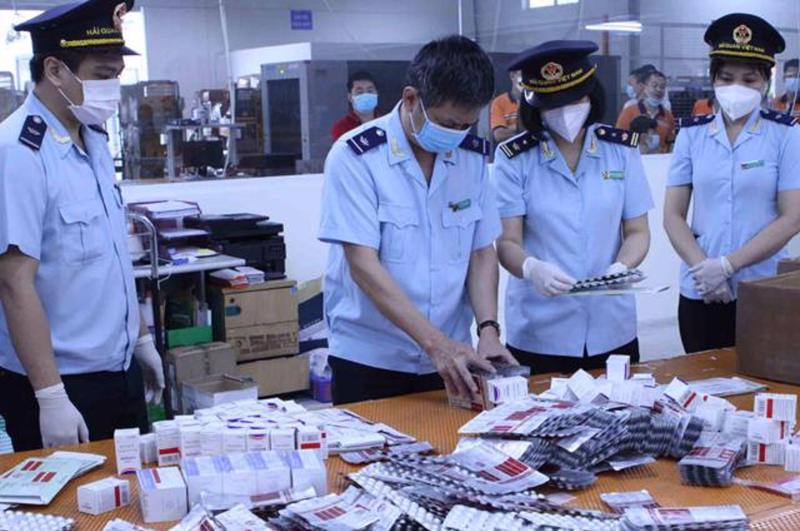 15 lô hàng được chuyển từ Ấn Độ vào Việt Nam theo hình thức quà biếu, tặng