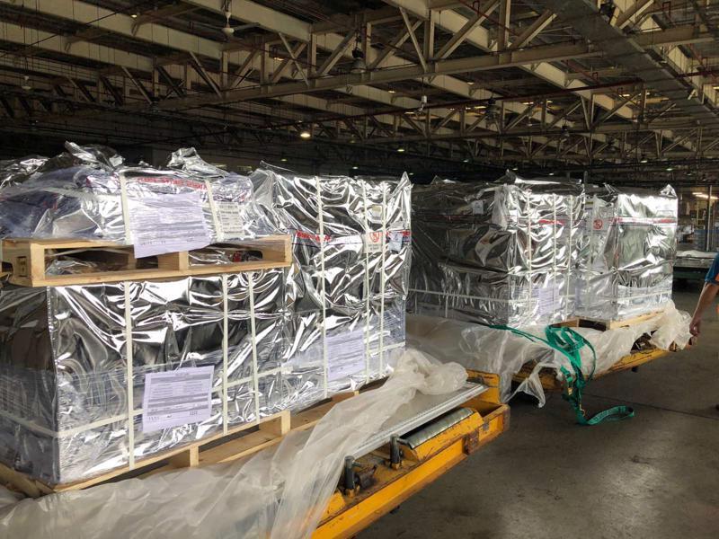 Phần lớn trong lô 100.000 lọ thuốc điều trị Covid -19 đã về đến sân bay Tân Sơn Nhất ngày 29/8.
