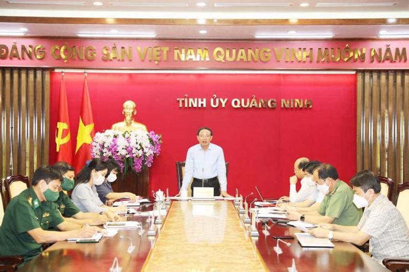Bí thư Tỉnh ủy Quảng Ninh Nguyễn Xuân Ký chỉ đạo tại cuộc họp.