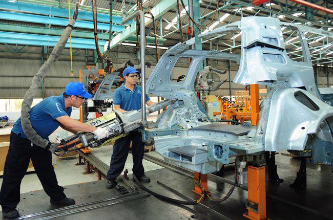 Một số hoạt động sản xuất đã được các doanh nghiệp nước ngoài chuyển sang một quốc gia khác.