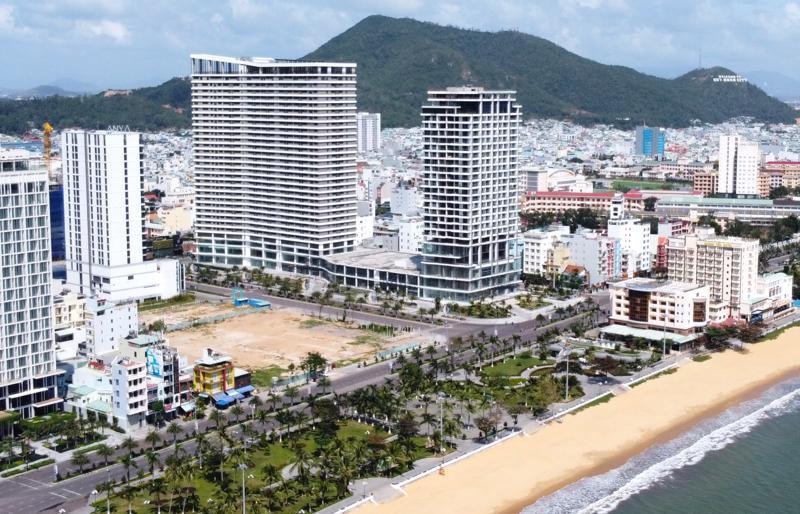 Dự án FLC Sea Tower Quy Nhơn nằm trên khu đất vàng giáp bãi biển của TP. Quy Nhơn, tỉnh Bình Định.