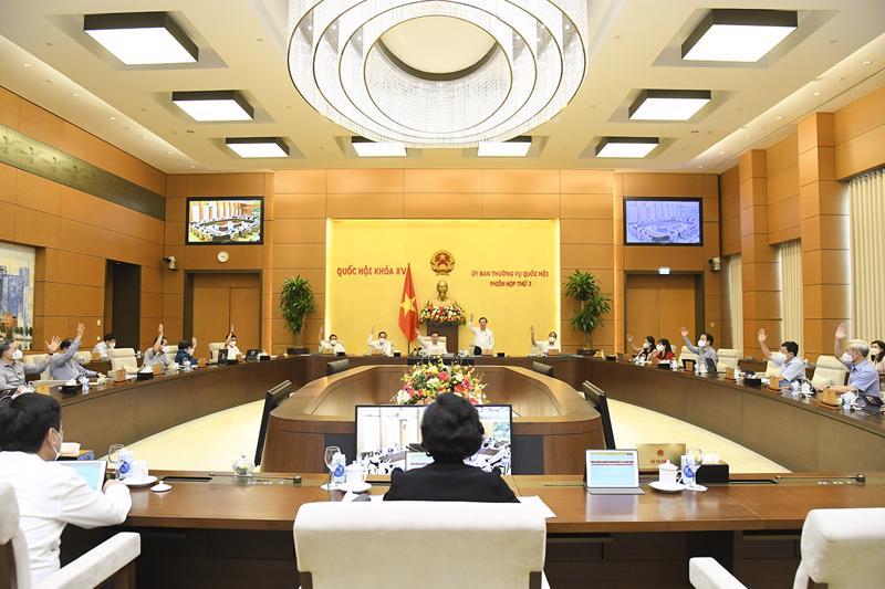 Ủy ban Thường vụ Quốc hội biểu quyết thông qua việc thành lập thành phố Từ Sơn, tỉnh Bắc Ninh - Ảnh: Quochoi.vn