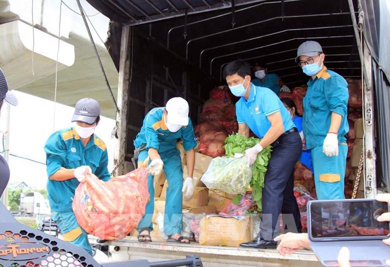 Giải quyết khó khăn trong lưu thông, tiêu thụ nông sản.