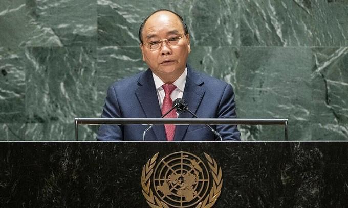 Chủ tịch nước Nguyễn Xuân Phúc - Ảnh: Reuters