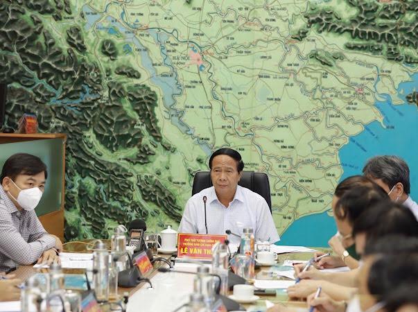 Phó Thủ tướng Lê Văn Thành chủ trì cuộc họp ứng phó bão.