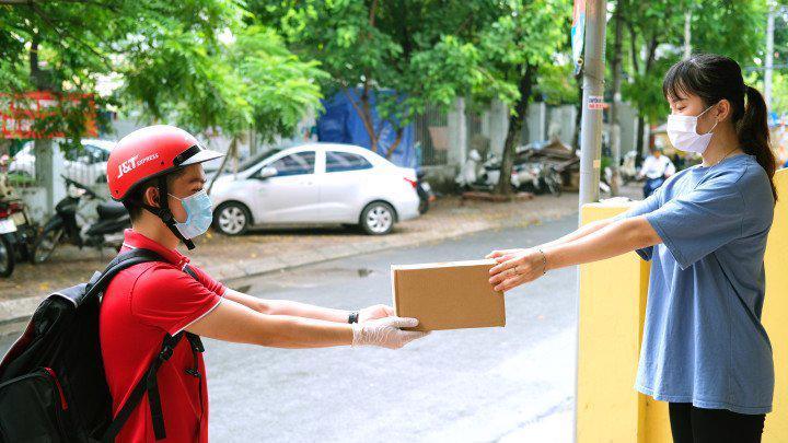 J&T luôn nỗ lực để đáp ứng nhu cầu khách hàng.