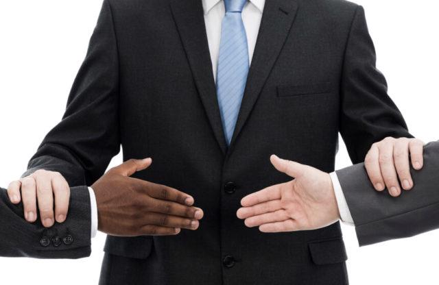 Thực tế cho thấy số lượng các vụ kiện, các vụ thông báo ý định khởi kiện và các vướng mắc của các nhà đầu tư ngày càng gia tăng.