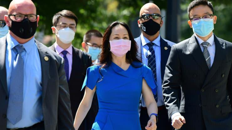 CFO Mạnh Vãn Châu của Huawei tới toà án ở Vancouver, Canada, tháng 8/2021 - Ảnh: Getty/CNBC.