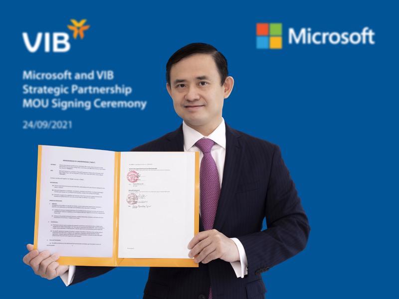 Ông Trần Nhất Minh - Phó Tổng giám đốc kiêm Giám đốc Khối Công nghệ Ngân hàng của VIB.