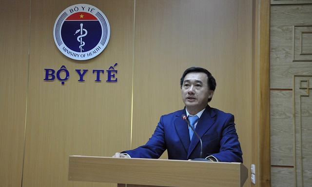 Thứ trưởng Bộ Y tế Trần Văn Thuấn.