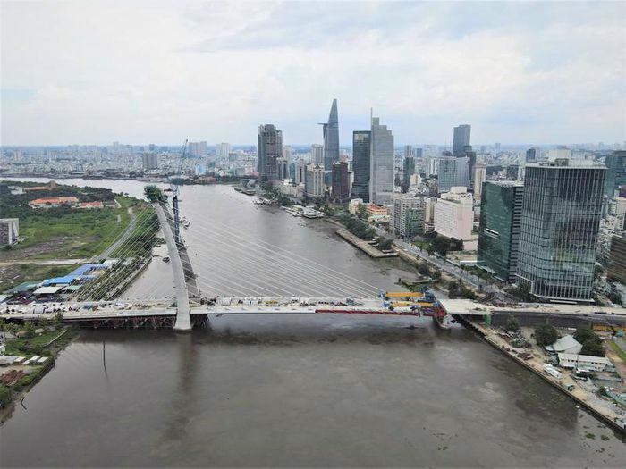 Cầu Thủ Thiêm 2 dự kiến hoàn thành công trình, đưa vào khai thác sử dụng ngày 30/4/2022.