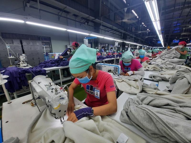 Công ty TNHH MTV Panko Tam Thăng, tỉnh Quảng Nam đã được giảm mức đóng từ 1% xuống 0% vào quỹ Bảo hiểm thất nghiệp. Ảnh - Thanh Dũng.