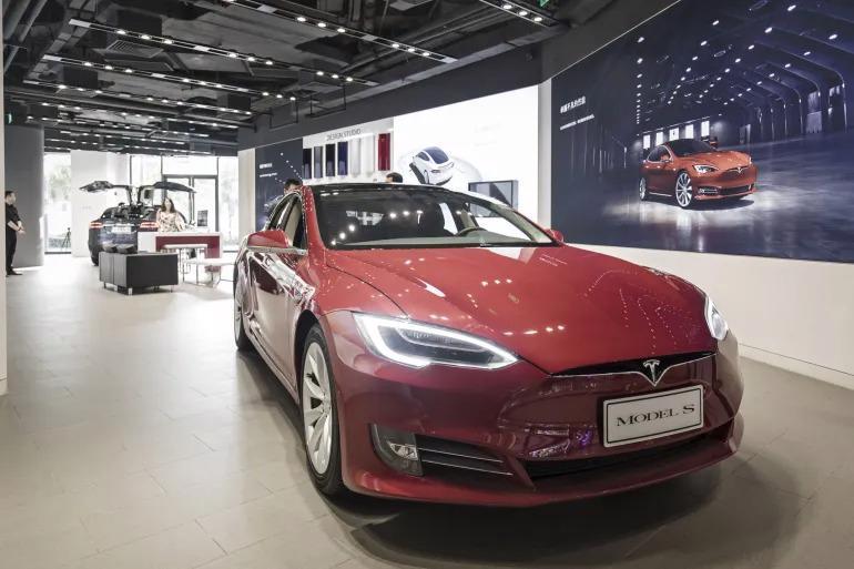Trong khi Tesla đã giành được vô số người hâm mộ trung thành trên khắp thế giới, thì tại Trung Quốc, hãng đang đối mặt với phản ứng giận dữ của một số khách hàng.