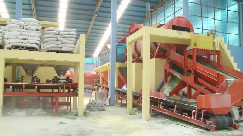 Các nhà máy sản xuất phân bón đang hưởng lợi nhờ giá sản phẩm tăng cao.