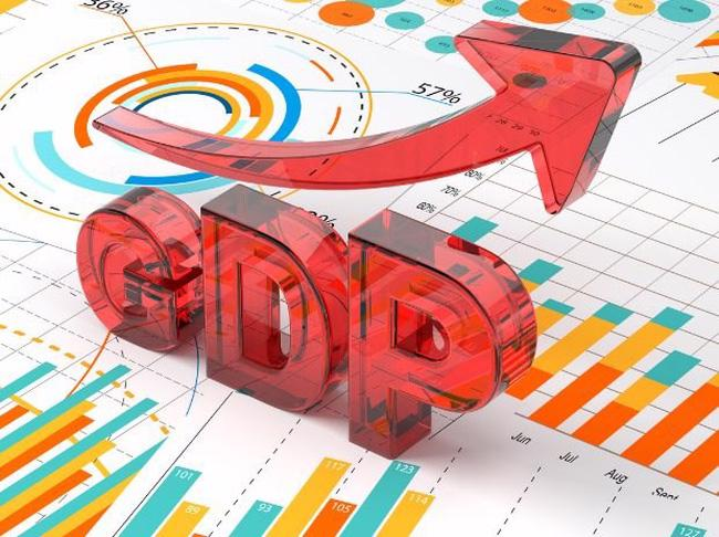 Tổng cục Thống kê đưa ra hai dự báo về tăng trưởng cả năm 2021. Ở kịch bản 1, tăng trưởng GDP cả năm đạt 2,5% và ở kịch bản 2, tăng trưởng GDP là 3%.