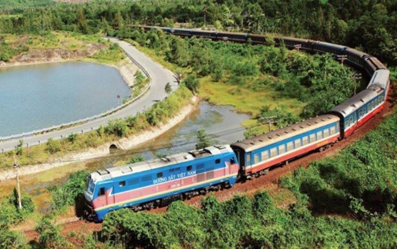 Tuyến đường sắt hiện tại không kết nối được với đường sắt Trung Quốc để hàng hóa đi sâu vào nội địa Trung Quốc, do khổ đường sắt hẹp 1.000 mm.
