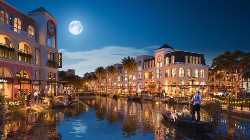 Dòng kênh đào tạo nên sắc thái lãng mạn đậm chất Italy cho các dãy shophouse.