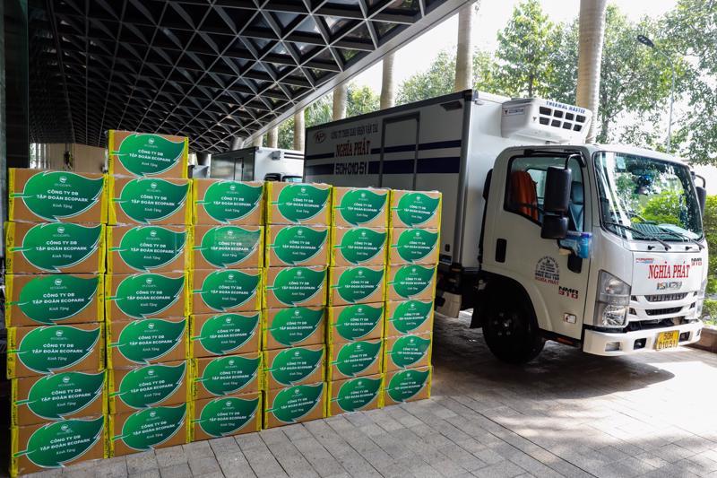 Từ ngày 7/10, toàn bộ số thuốc nghiên cứu Molnupiravir do Công ty DB - Cổ đông sáng lập Tập đoàn Ecopark tài trợ đã được bàn giao cho 10 tỉnh thành để phục vụ cho chương trình của Bộ Y tế.