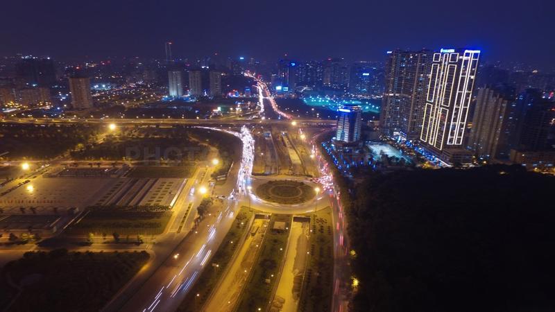 Thủ đô Hà Nội rực rỡ về đêm. Ảnh: Phương Thảo.