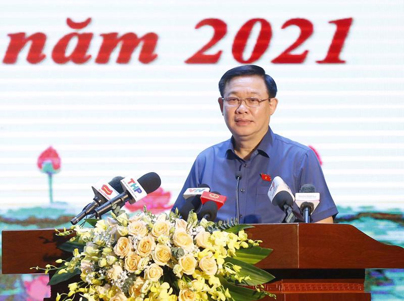 National Assembly Chairman Vuong Dinh Hue at a voter contact program before the second session of the 15th National Assembly. Source: Quochoi.vn