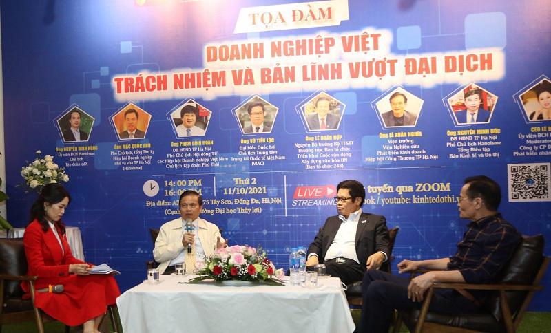 Các diễn giả chia sẻ tại toạ đàm.