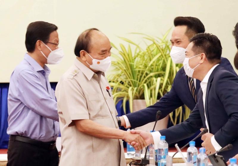 Chủ tịch nước gặp gỡ đại diện doanh nghiệp thuộc Hiệp hội Doanh nhân trẻ Việt Nam - Ảnh: VGP