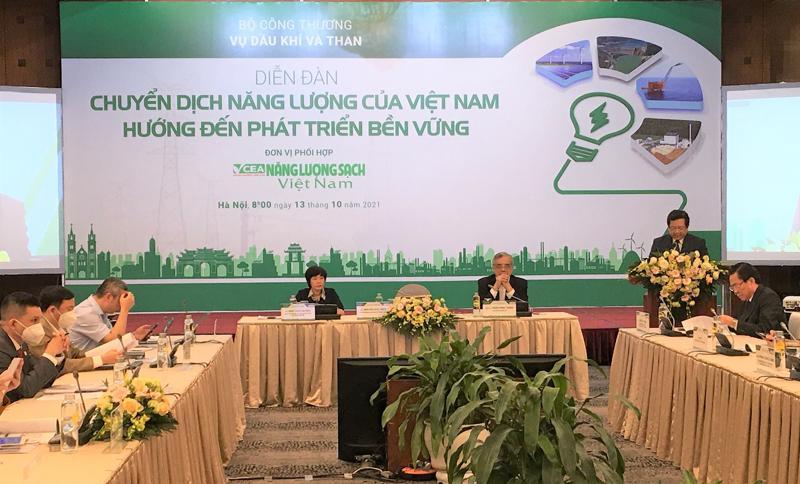 """Diễn đàn: """"Chuyển dịch năng lượng của Việt Nam hướng đến phát triển bền vững""""."""